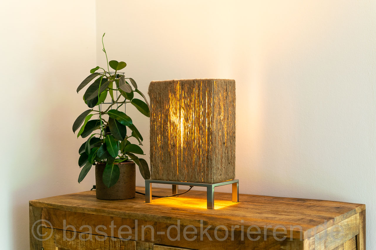 lampen upcycling basteln und dekorieren. Black Bedroom Furniture Sets. Home Design Ideas
